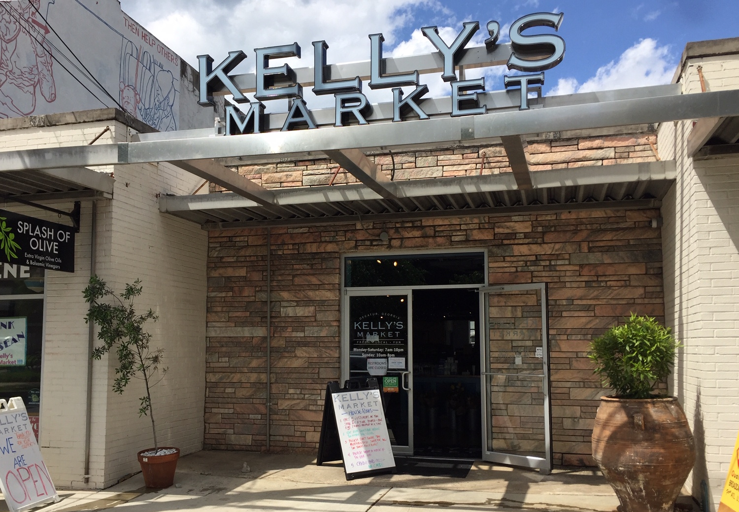 Kelly's Market in Decatur, Georgia